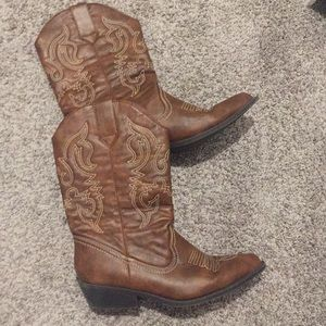 Cowboy boots size 7.5 new